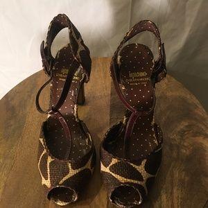 Moschino Cheap & Chic Peep toe T Strap Shoe  37